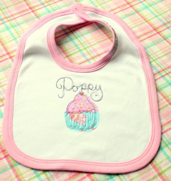 gift British baby name personalised England applique cupcake