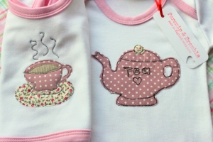 Handmade baby onesie England applique bib onesie